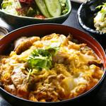 あいたか - 宮崎ハーブ鶏の炭火香る親子丼