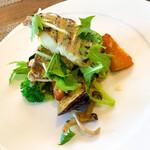 ビストロ ル・ボントン - 本日の魚のポワレ ヴァンブランのオリーブオイルソース