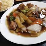 137137814 - 酢豚定食