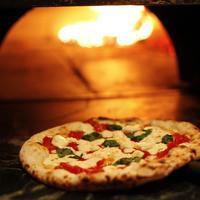 バジリコ - 薪で焼くピッツァ用の本格窯