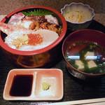 13715837 - 「海鮮丼」1700円(裏メニュー)