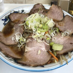 ぺーぱん - 料理写真:醤油野菜チャーシューメン 1100円