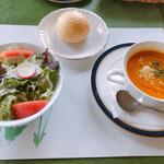 フィレンツェクラブ - Bセット サラダ、パン、スープ あとデザート&コーヒーで+700円
