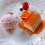 フィレンツェクラブ - デザート ストロベリーアイス、プリン プリンが硬めでしっかりしたタイプ