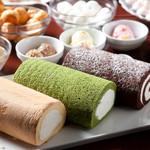 京都北山ダイニング - 【季節限定】北山特製ロールケーキ スポンジとクリームの絶妙なハーモニーが評判です 。