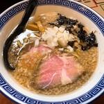 らーめんHAGGY - 料理写真:背脂煮干し・醤油(780円)