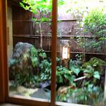 祇園 にしかわ - 坪庭