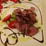 Osteria CASA MIA - 熟成赤身黒毛和牛の低温ローストつぶつぶマスタード&トリュフ塩