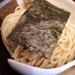 137179964 - 濃厚煮干つけ麺の麺