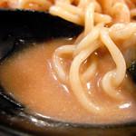 スタ麺 轟 - かなり粘度の高いドロッとした冷やしスープ@キムキム冷やしラーメン(700円)