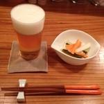 ユニ カフェ - ビールとピクルス