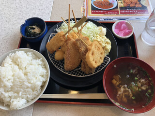 串カツ田中 楠店