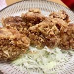 から揚げ専門店 鳥チヨ - 料理写真:から揚げ、キャベツは自宅で添えました