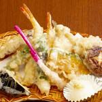 おむすび 俵 - 天ぷら盛り合わせ