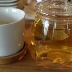 お野菜小皿料理のワインバル KiboKo - 自然栽培薬草茶 グァバ