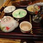 13719213 - 3つのチェー お茶付き