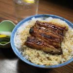 うな達 - 2012.7 うな丼(800円)関東風の鰻です
