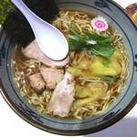 手打ち工房 凌駕 - 料理写真:手打ちワンタン麺(醤油)840円
