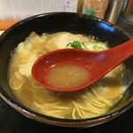 徳島中華そば 福ろう - ちょい甘スープ