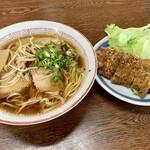 水田食堂 - 料理写真:この日の昼食。 中華そば(税込¥520-) トンカツ(税込¥330-)