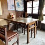 水田食堂 - 店内、東側の一角。
