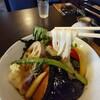 手打ちうどん  いしづか - 料理写真:彩り野菜の揚げ浸しうどんのアップ