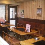 ぼてぢゅう総本家 - 窓側の3テーブルは、12名様までの団体様でもご利用いただけます。