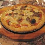 横浜ピザハウス - きのこピザ(S)2009年4月