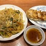餃子菜館 勝ちゃん - 塩焼きそば&焼き餃子&瓶ビール中瓶
