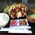 ごちそうさん食堂 - 名古屋唐揚げ定食 800円