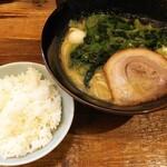 松壱家 - 醤油豚骨+ほうれん草+ライス 750+100+100円