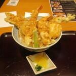 137232528 - 海老と穴子の江戸前天丼でございます