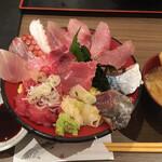 魚がし食堂 中央市場店 - 日替わり海鮮丼