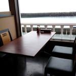 13725361 - テーブル席は全てオーシャンビュー