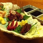 13725923 - 九州直送、薩摩地鶏・熊本馬の「刺身六点盛り」