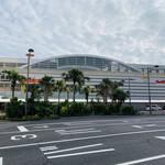 137259590 - 鹿児島中央駅。九州新幹線終着駅。