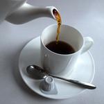 甘 - ホットコーヒー(430円)。軽く2杯分くらい入ってましたね。