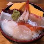 137260035 - 北海丼八種(930円)