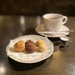 137265147 - サイフォン珈琲、クッキーセット