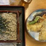 そば処 長岡屋 - 天ざる1350円。すごい天ぷらの量です。海老二尾!