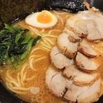 横浜らーめん 源泉 - 2020年9月 醤油豚骨ネギチャーシューメン(チャーシューはバラ) 1190円