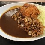 かつや - チキンカツのせ牛生姜焼きカレー690円+税(2020.9.17)