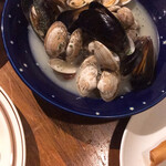 外食家 くじら - ムール貝とアサリのワイン蒸し