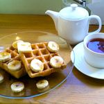 cafe Yummy Waffle - ワッフルとお茶をセットで