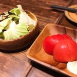 ヤキトンSAKABA アケボノヤ - やみつきキャベ&冷やしトマト
