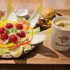 カフェ フィンセント - 料理写真:ヒマワリサラダと季節野菜のスープ