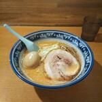 麺や樽座 - 海老味噌らーめん+味付玉子