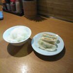 麺や樽座 - セットの餃子&少ライス