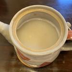 蕎茶亭まるやま - 仕上げに蕎麦粉を足している感じの濃厚な蕎麦湯。 蕎麦つゆにそば湯をついだときに、鰹の香りが フワッと香り完飲完食。