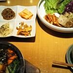 水刺齋 - ミニポッサム&石焼ビビンバセット&なつめ茶